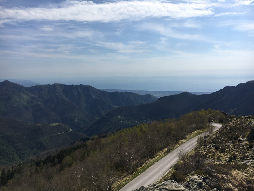 Apuane_OnTheRoad